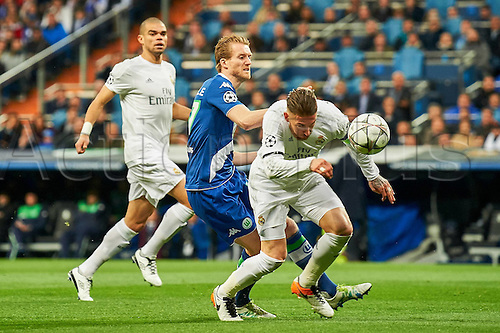 12.04.2016. Madrid, Spain. UEFA Champions League, quarterfinal second leg. Real Madrid versus VfL Wolfsburg.  Kepler Lima Pepe (Pepe, Real, 3), Andre Schurrle (Wolfsburg, 17), Sergio Ram(Real, 4)
