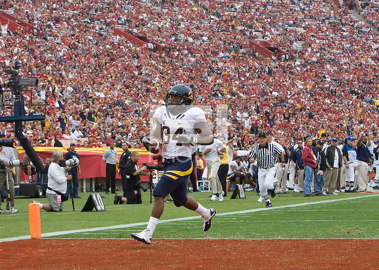Shane Vereen of California scores a touchdown during the game against USC at LA Memorial Coliseum in Los Angeles, California.  USC defeated California, 48-14.