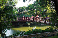 In the heart of Austin is the Ann and Roy Butler Hike-and-Bike Trail at Lady Bird Lake, a lush, urban path that meanders along the waterís edge and passes by skyscrapers, neighborhoods, ball fields and cultural attractions. With more than 1.5 million visits a year, the 10-mile hike-and-bike trail is Austinís most recognized and popular recreational area.