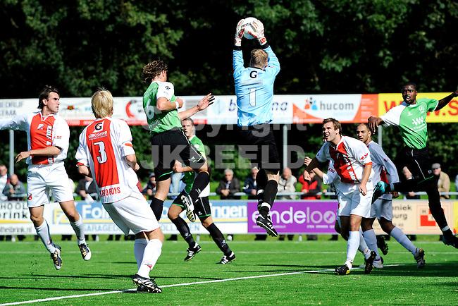 voetbal flevo boys - capelle topklasse seizoen2010-2011 18-09-2010  doelman hessel altenburg redt