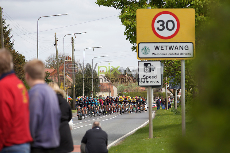 Pix: Shaun Flannery/SWpix.com<br /> <br /> 2nd May 2015<br /> 2015 Tour de Yorkshire<br /> Day 2 - Selby to York.<br /> The race leaders leave Wetwang.