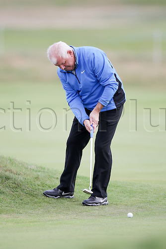 02.10.2014. Carnoustie, Scotland. Alfred Dunhill Links Golf Championship.  Gerry McIlroy putts from the edge of the 14th green.