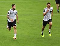 Marvin Plattenhardt (Deutschland Germany), Jonas Hector (Deutschland Germany) - 24.05.2018: Training der Deutschen Nationalmannschaft zur WM-Vorbereitung in der Sportzone Rungg in Eppan/Südtirol