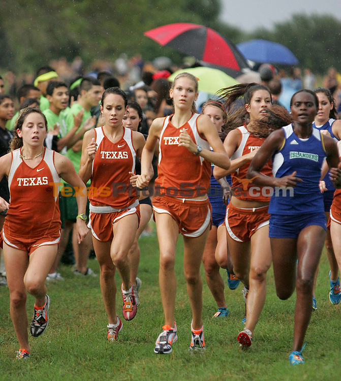 The University of Texas at Austin Women's Cross Country team runs the Ricardo Romo/Six Flags Texas Classic in San Antonio, Texas on Friday, September 17, 2010. (Photo by Alicia Wagner Calzada)