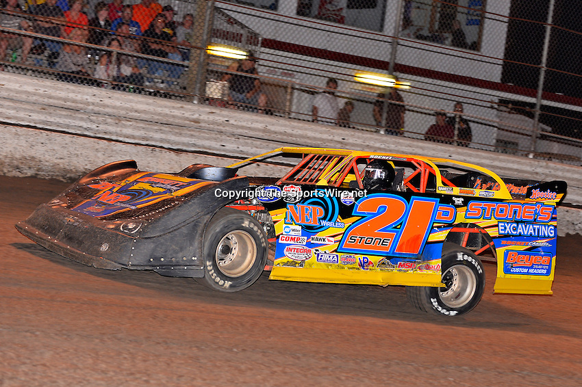Feb 20, 2014; 7:00:02 PM;  Barberville, FL, USA;  World of Outlaws Late Model Series for 43rd Annual DIRTcar Nationals presented by Summit Racing Equipment at Volusia Speedway Park.  Mandatory Credit: (thesportswire.net)