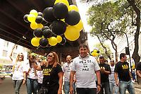 RIO DE JANEIRO, RJ, 05.11.2013 - POLICIAIS FEDERAIS REALIZAM MANIFESTAÇÃO  - Policiais Federais realizam manifestação por melhores condições de trabalho e reestruturação da carreira policial nessa terça 05 . (Foto: Levy Ribeiro / Brazil Photo Press)