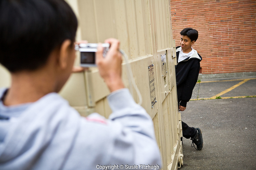 Tina LaPadula and Vesna Pavlovic use theatre and photography with their Aki Kurose MS students to explore the community of Rainier Valley and the personal stories of each class participant.