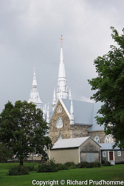 side view of the St-Charles-Borromee church in Grondines Quebec built in 1838  and completed in 1895