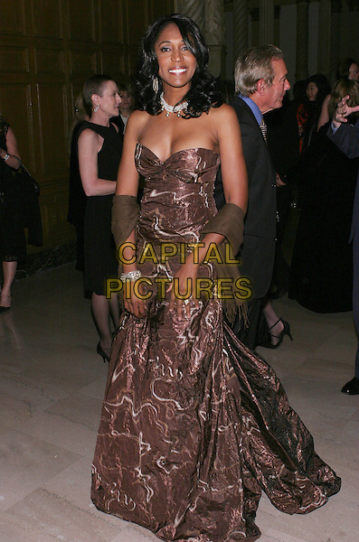 NITA WHITAKER.2009 AFTRA Media and Entertainment Excellence Awards (The AMEES) held at the The Millennium Biltmore Hotel,  Los Angeles, California, USA..March 9th, 2009.full length brown pattern strapless dress wrap .CAP/ADM/TC.©T. Conrad/AdMedia/Capital Pictures.