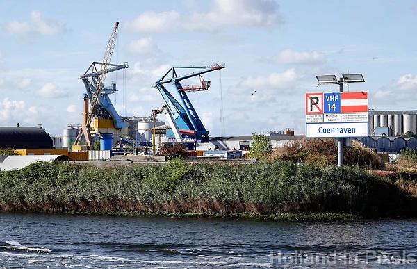Nederland - Amsterdam - 2018. Het Noorzeekanaal. De Coenhaven. Foto Berlinda van Dam / Hollandse Hoogte.