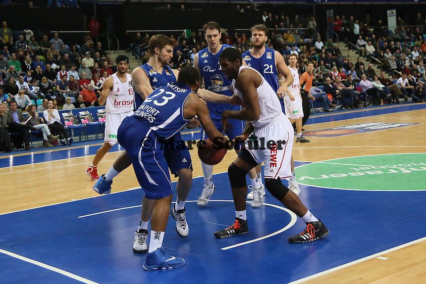 Kampf um den Rebound - Fraport Skyliners vs. Brose Baskets Bamberg, Fraport Arena Frankfurt