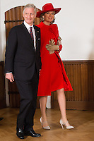 La reine Mathilde de Belgique et le roi Philippe de Belgique au Parlement hollandais de La Haye.<br /> Pays-Bas, La Haye, 28 novembre 2016.<br /> Queen Mathilde of Belgium and King Philippe of Belgium at the 'Binnenhof' governmental building complex in The Hague, on the second day of a three-day State visit of the Belgian royal couple to The Netherlands.<br /> Netherlands, The Hague, 29 November
