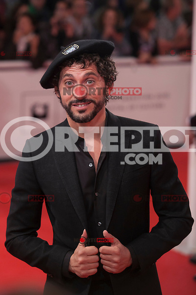 Paco Leon poses with a txapela hat before 63rd Donostia Zinemaldia opening ceremony (San Sebastian International Film Festival) in San Sebastian, Spain. September 18, 2015. (ALTERPHOTOS/Victor Blanco) /NortePhoto.com