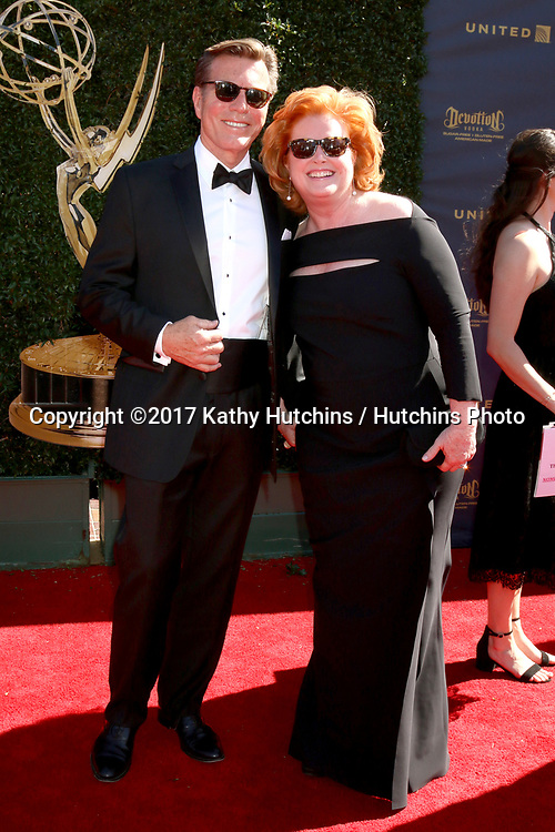 LOS ANGELES - APR 30:  Peter Bergman, Mariellen Bergman at the 44th Daytime Emmy Awards - Arrivals at the Pasadena Civic Auditorium on April 30, 2017 in Pasadena, CA