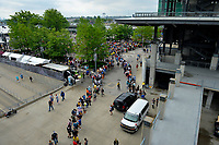 Verizon IndyCar Series<br /> Indianapolis 500 Drivers Meeting<br /> Indianapolis Motor Speedway, Indianapolis, IN USA<br /> Saturday 27 May 2017<br /> Lines of fans snake out of the plaza for the driver's autograph session.<br /> World Copyright: F. Peirce Williams