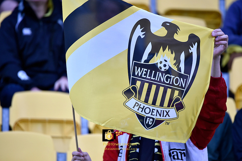 A League - Wellington Phoenix v Sydney FC at Westpac Stadium, Wellington, New Zealand on Saturday 19 December 2015.<br /> Photo by Masanori Udagawa. <br /> www.photowellington.photoshelter.com.