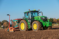 Combination drilling winter wheat - Lincolnshire, October