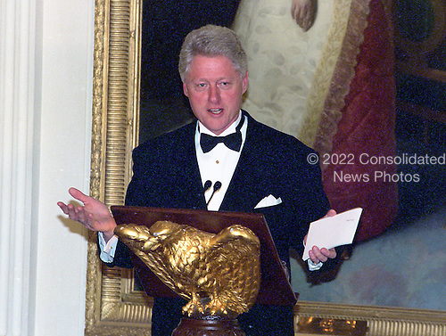 United States President Bill Clinton makes remarks at the 200th Anniversary of the White House dinner in the East Room in Washington, DC on November 9, 2000. <br /> Credit: Ron Sachs / CNP