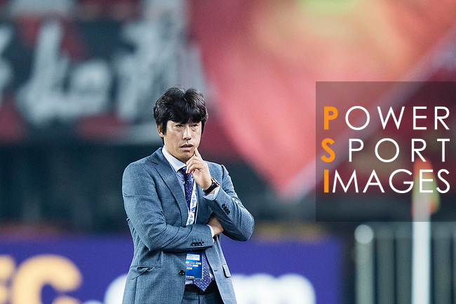 Suwon Samsung Head Coach Seo Jung Won reacts during the AFC Champions League 2017 Group G match between Guangzhou Evergrande FC (CHN) vs Suwon Samsung Bluewings (KOR) at the Tianhe Stadium on 09 May 2017 in Guangzhou, China. Photo by Yu Chun Christopher Wong / Power Sport Images