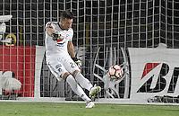 BOGOTA - COLOMBIA -08 -02-2017: Nikolas Vikonis, arquero de Millonarios, en acción durante partido entre Millonarios de Colombia y Atletico Paranaense de Brasil, por la segunda fase, llave 1 de la Copa Conmebol Libertadores Bridgestone 2017 jugado en el estadio Nemesio Camacho El Campin, de la ciudad de Bogota. / Nikolas Vikonis, goalkeeper of Millonarios, in action during a match between Millonarios of Colombia and Atletico Paranaense of Brasil, for the second phase, key1, of the Conmebol Copa Libertadores Bridgestone 2017 played at Nemesio Camacho El Campin in Bogota city. Photo: VizzorImage / Gabriel Aponte / Staff.