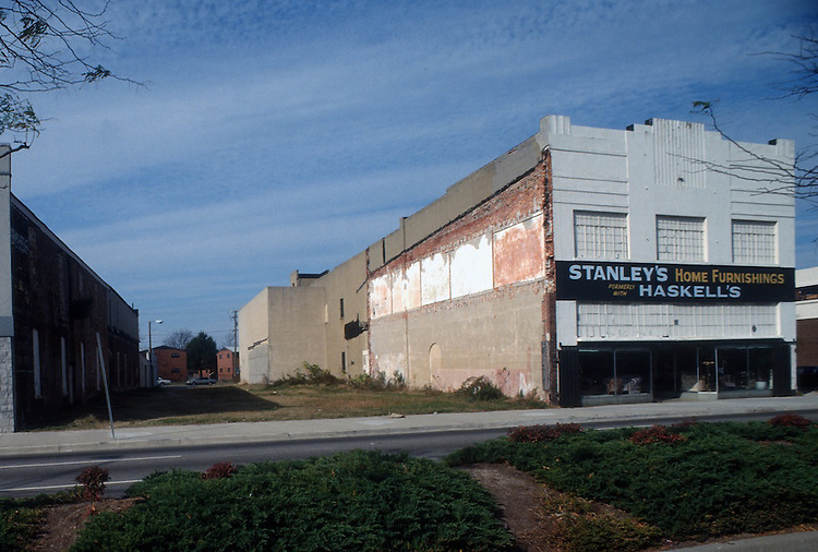 1989 NOVEMBER 30..Redevelopment.Church Street..STANLEY'S HOME FURNISHINGS...NEG#.NRHA#..