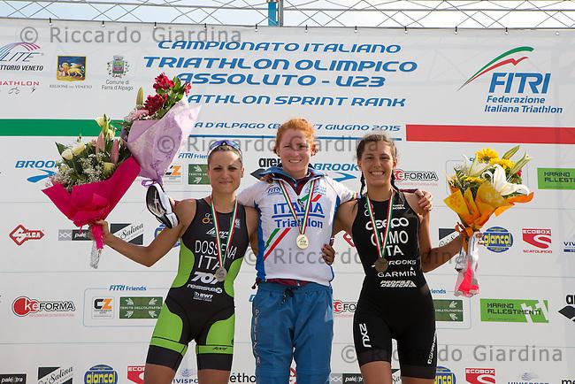 Il podio femminile Assoluto: Sara Dossena (a sinistra), Anna Maria Mazzetti (al centro) e Angelica Olmo (a destra).