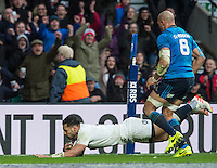 Twickenham, United Kingdom. Ben TE'O. touches down in the corner, during the  6 Nations International Rugby Match, England vs Italy at the RFU Stadium, Twickenham, England, <br /> <br /> Sunday  26/02/2017<br /> <br /> [Mandatory Credit; Peter Spurrier/Intersport-images]
