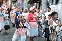 SÃO PAULO,SP,05.06.2014 - CAMINHADA PELA PAZ - Participantes durante a Caminhada realizada pelo EMEF Presidente Campos Salles pelas ruas da Heliópolis regiao sul de Sao Paulo, nesta quinta-feira, 05. (Foto: Carlos Pessuto / Brazil Photo Press).