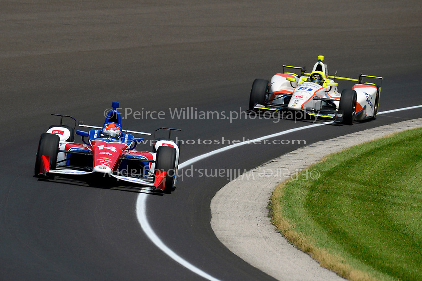 Verizon IndyCar Series<br /> Indianapolis 500 Carb Day<br /> Indianapolis Motor Speedway, Indianapolis, IN USA<br /> Friday 26 May 2017<br /> Carlos Munoz, A.J. Foyt Enterprises Chevrolet, Ed Jones, Dale Coyne Racing Honda<br /> World Copyright: F. Peirce Williams