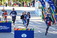 NEW YORK, NY, 06.11.2016 - MARATONA-NEW YORK - Crianças e adolecentes durante chegada da categoria juvenil  na Maratona Internacional de New York  nos Estados Unidos neste domingo, 06. (Foto: William Volcov/Brazil Photo Press)