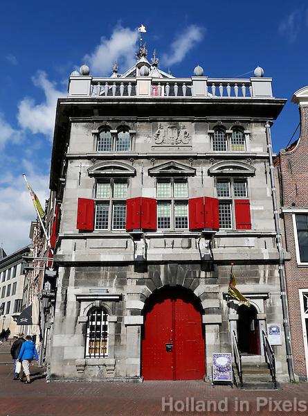 De oude Waag  aan het Spaarne in Haarlem. Tegenwoordig is er een restaurant in gevestigd
