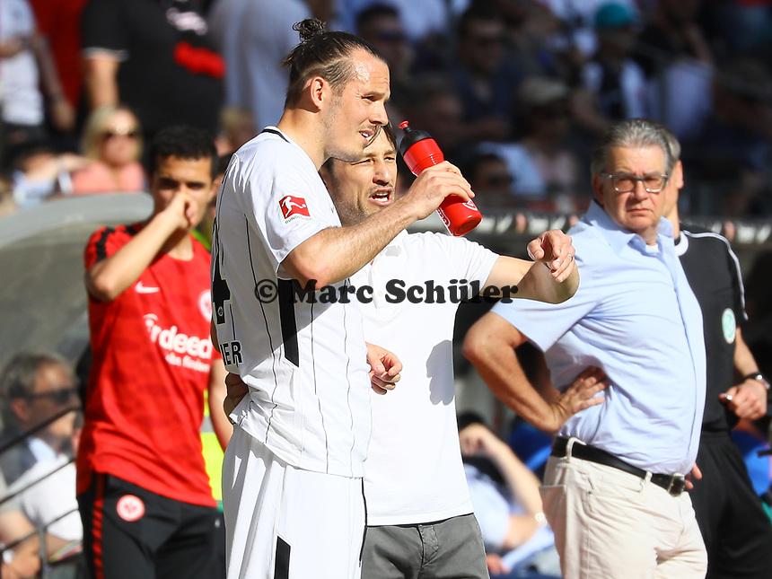 Alexander Meier (Eintracht Frankfurt) mit Trainer Niko Kovac (Eintracht Frankfurt) - 05.05.2018: Eintracht Frankfurt vs. Hamburger SV, Commerzbank Arena, 33. Spieltag Bundesliga
