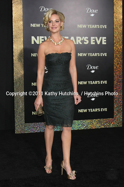 "LOS ANGELES - DEC 5:  Katherine Heigl arrives at the ""New Year's Eve"" World Premiere at Graumans Chinese Theater on December 5, 2011 in Los Angeles, CA"