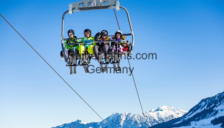 Austria, Vorarlberg, Kleinwalsertal, Hirschegg: chair lift and Allgaeu Alps with summit Nebelhorn | Oesterreich, Vorarlberg, Kleinwalsertal, Hirschegg: 4er Sessellift, im Hintergrund das Nebelhorn
