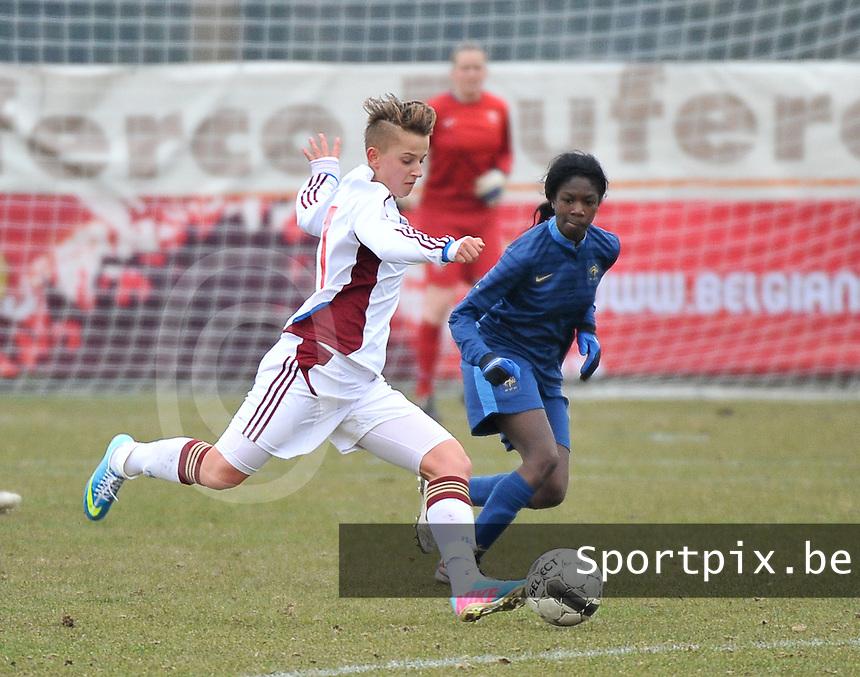 France U19 - Russia U19 : Marina Kiskonen and Aminata Diallo (right).foto DAVID CATRY / Nikonpro.be
