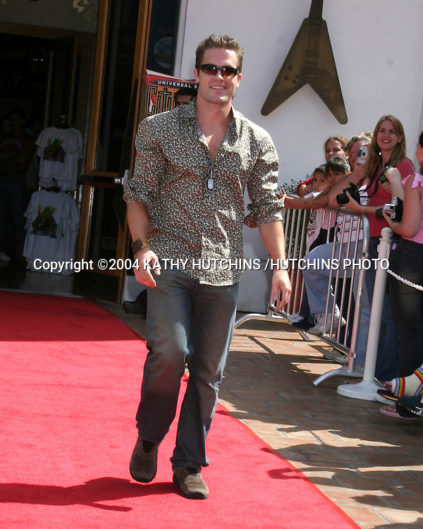 ©2004 KATHY HUTCHINS /HUTCHINS PHOTO.NBC & TELEMUDO STARS FAN FESTIVAL.UNIVERSAL CITYWALK.LOS ANGELES, CA.MARCH 21, 2004..KYLE BRANDT