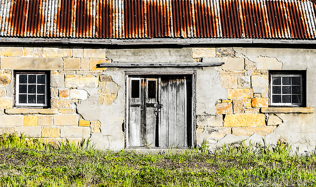 An old house in the historic town of Oatlands on the Heritage Highway in Tasmania, Australia.