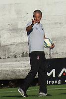 SÃO PAULO, SP, 14.08.2015 - FUTEBOL-CORINTHIANS -Tite treinador do Corinthians durante sessão de treinamento no Centro de Treinamento Joaquim Grava na região leste de São Paulo nesta sexta-feira, 14. (Foto: Marcos Moraes / Brazil Photo Press)