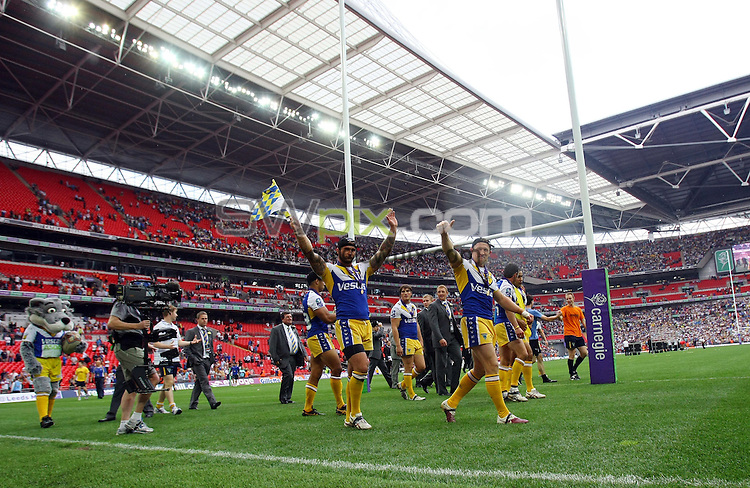 PICTURE BY VAUGHN RIDLEY/SWPIX.COM - Rugby League - Challenge Cup Final 2010 - Leeds v Warrington - Wembley Stadium, London, England - 28/08/10...Copyright - Simon Wilkinson - 07811267706...Warrington's Paul Wood and Mickey Higham.
