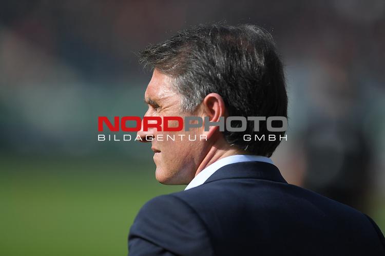 02.04.2016, HDI Arena,  Hannover, GER, 1.FBL, Hannover 96 vs Hamburger SV, <br /> <br /> im Bild / picture shows<br /> Bruno Labbadia (Trainer Hamburger SV), <br /> <br /> Foto &copy; nordphoto / Ewert