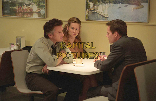 SEAN PENN, LAURA LINNEY & KEVIN BACON.in Mystic River.Filmstill - Editorial Use Only.Ref: FB.www.capitalpictures.com.sales@capitalpictures.com.Supplied by Capital Pictures.