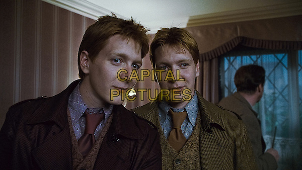 JAMES PHELPS & OLIVER PHELPS .in Harry Potter and the Deathly Hallows: Part 1 .*Filmstill - Editorial Use Only*.CAP/FB.Supplied by Capital Pictures.