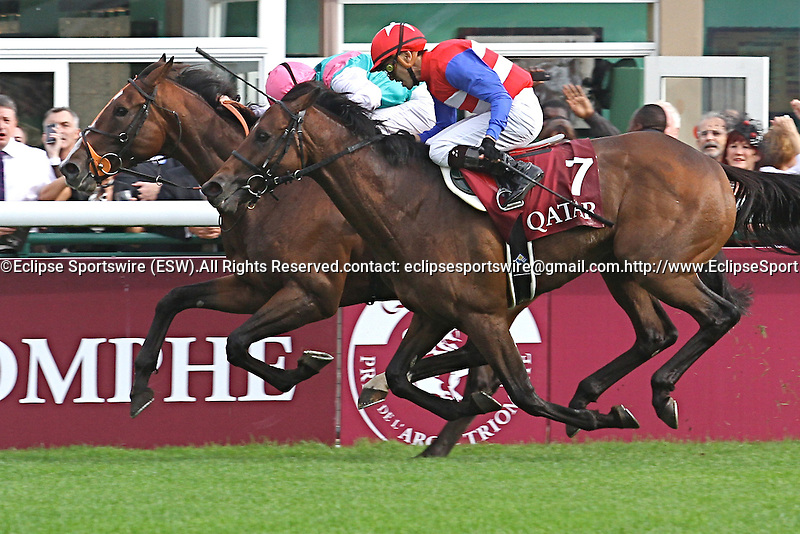 .Arc de Triomphe in Paris.   Workforce (GB) wins the race. Jockey Ryan. L. Moore Owner : K Abdullah. Trainer : M.R. STOUTE. 2nd Place Nakayama (JPN)