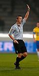 Nederland, Waalwijk, 24 november 2012.Seizoen 2012-2013.Eredivisie .RKC Waalwijk-FC Groningen.Scheidsrechter Maarten Ketting.