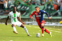 MEDELLIN-COLOMBIA, 29-02-2020: Helibelton Palacios de Atletico Nacional y Javier Reina de Deportivo Independiente Medellin disputan el balon, durante partido de la fecha 7 entre Atletico Nacional y Deportivo Independiente Medellin, por la Liga BetPLay DIMAYOR I 2020, jugado en el estadio Atanasio Girardot de la ciudad de Medellin. / Helibelton Palacios of Atletico Nacional and Javier Reina of Deportivo Independiente Medellin figth for the ball, during a match of the 7th date between Atletico Nacional and Deportivo Independiente Medellin, for the BetPLay DIMAYOR I Leguage 2020 played at the Atanasio Girardot Stadium in Medellin city. / Photo: VizzorImage / Leon Monsalve / Cont.