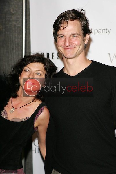 William Mapother and friend<br /> At the CBS &quot;Ghost Whisperer&quot; and &quot;Threshold&quot; premiere screening, Hollywood Forever Cemetery, Hollywood, CA 09-09-05<br /> David Edwards/DailyCeleb.Com 818-249-4998