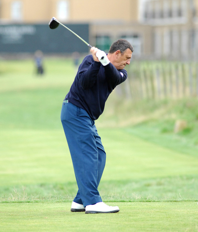 ALFRED DUNHILL LINKS CHAMPIONSHIP, ST.ANDREWS,6-10-06..BILL MURRAY PLAYING ON THE OLD COURSE, ST.ANDREWS.  SECOND DAY OF COMPETITION..PIC BY IAN MCILGORM