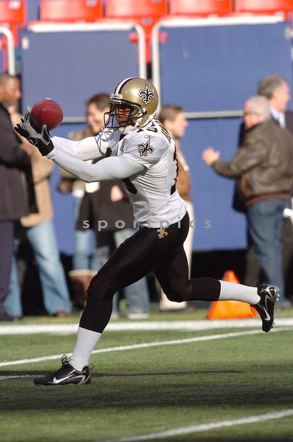 DEVERY HENDERSON, of the New Orleans Saints during their game against the New York Giants on December 24, 2006 in NJ...Saints win 30-7..Tomasso DeRosa / SportPics