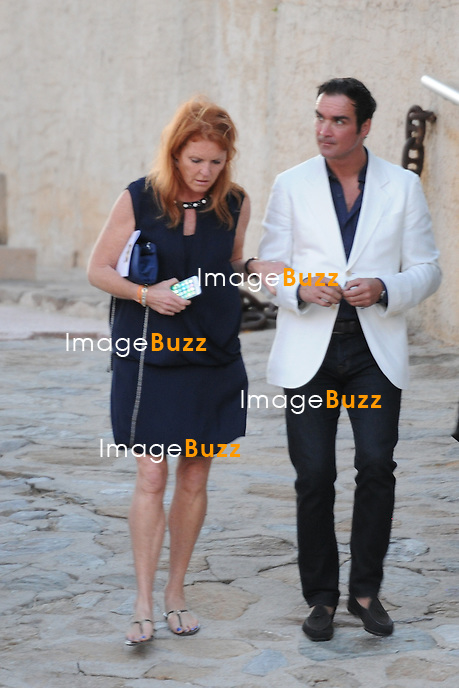 Sarah Ferguson &amp; boyfriend Manuel Fernandez are enjoying some romantic time while in the South of France to attend Bob Geldof's wedding.<br /> France, Rayol-Canadel-Sur-Mer, 19 September 2015