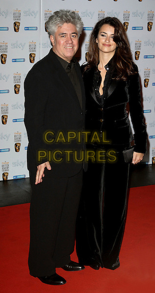 PEDRO ALMODOVAR & PENELOPE CRUZ.Inaugural BAFTA Nominees Reception hosted by Burberry, at the Natural History Museum, London, England,.10th February 2007..full length black trouser suit.CAP/ROS.©Steve Ross/Capital Pictures.